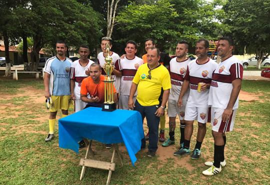 No último domingo o time Klabin TP se consagrou campeão no Campeonato de futebol STI.