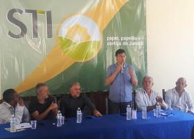 Federação e sindicatos juntos em debate político partidário